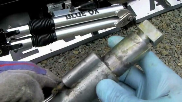 How To Lubricate a Blue Ox Tow Bar