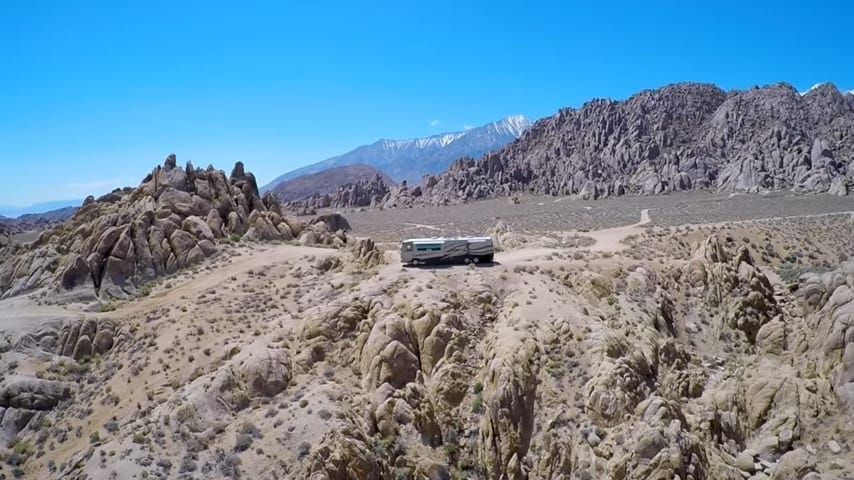 We found this great spot in the Alabama Hills thanks to our free camping apps.