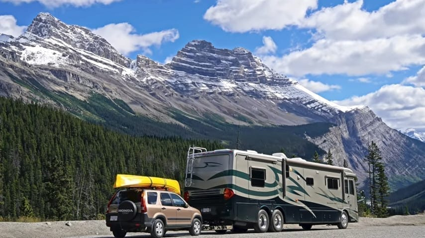 RVgeeks camping off the grid thanks to having access to free camping apps